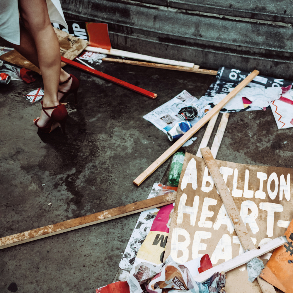 Mystery Jets – A Billion Heartbeats (★★★): Achterstallige middelmatigheid