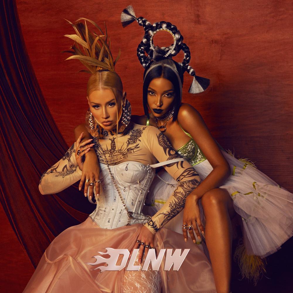 """Nieuwe single Iggy Azalea & Tinashe – """"Dance Like Nobody's Watching"""""""