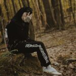 "Nieuwe single nothing, nowhere. - ""blood"" (feat. KennyHoopla & JUDGE)"