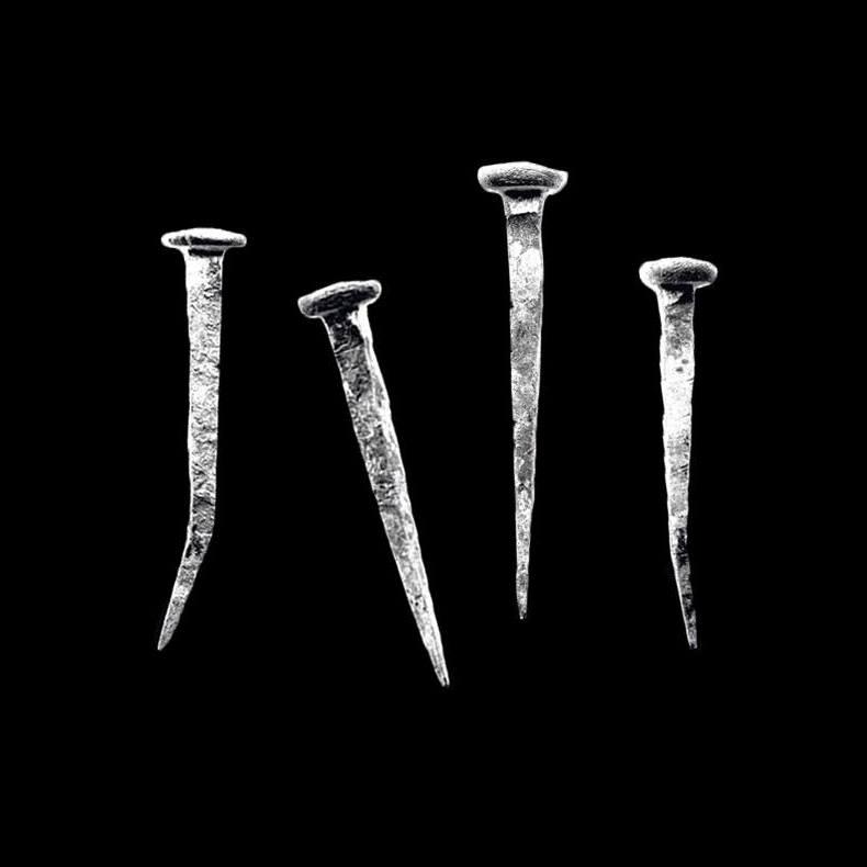 Vonnis – Evil.against.evil (★★★½): Sinistere beeldspraak, beenharde wervelwind
