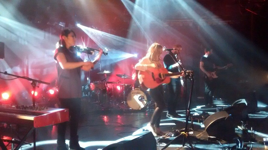 Review Lanterns on the Lake @ Botanique: balanceren tussen breekbaar en kracht