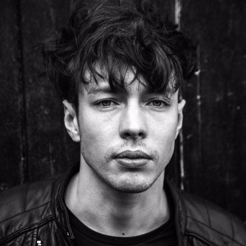 Debuutsingle Barns Courtney