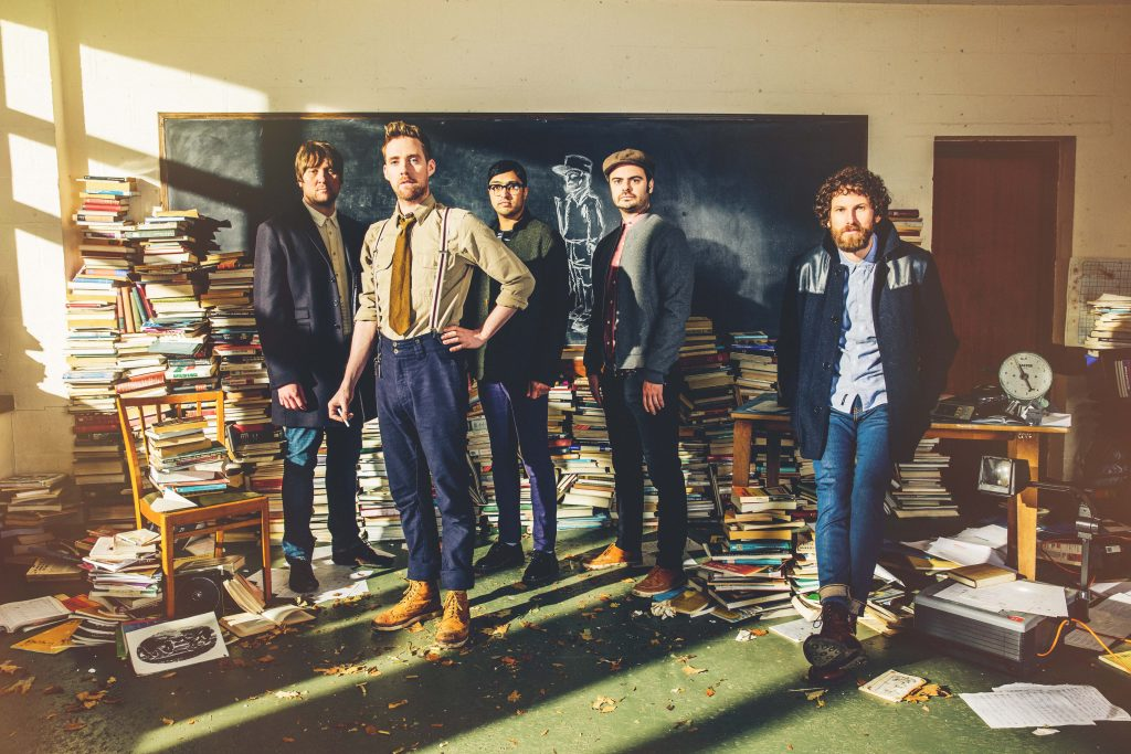 "Nieuwe single Kaiser Chiefs – ""Parachute"""