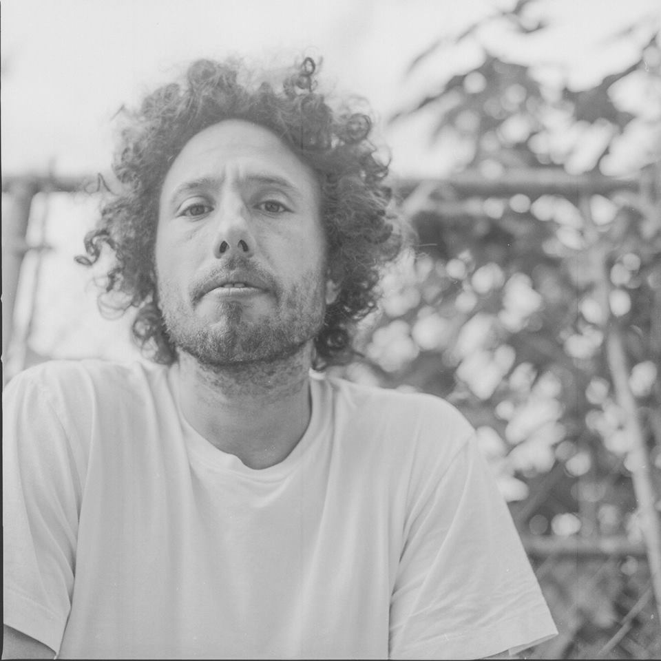 "Nieuwe single Zack De La Rocha – ""Digging For Windows"""