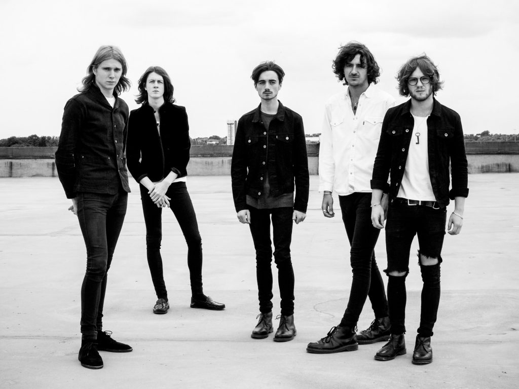 Blossoms @ Botanique: Foutloos in een zwijgzame Orangerie
