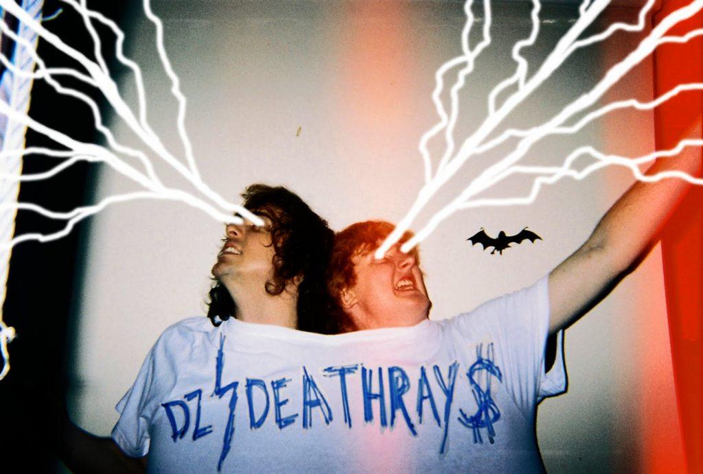 """Nieuwe single DZ Deathrays – """"Pollyanna"""""""
