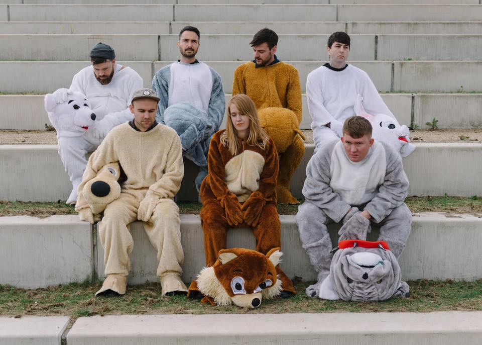 "Nieuwe single Los Campesinos! – ""I Broke Up In Amarante"""