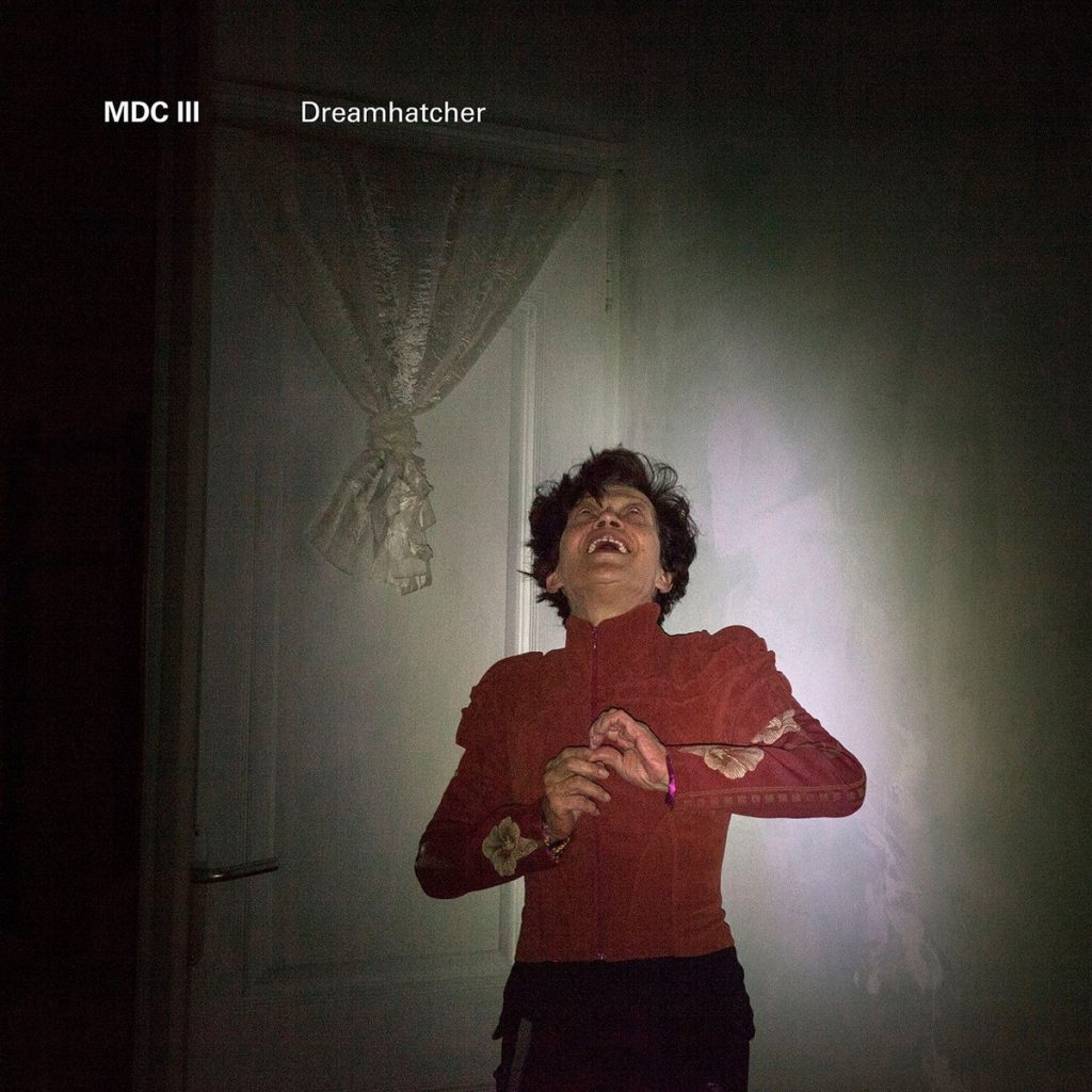 MDCIII – Dreamhatcher (★★★★★): Duiveluitdrijving in de jungle