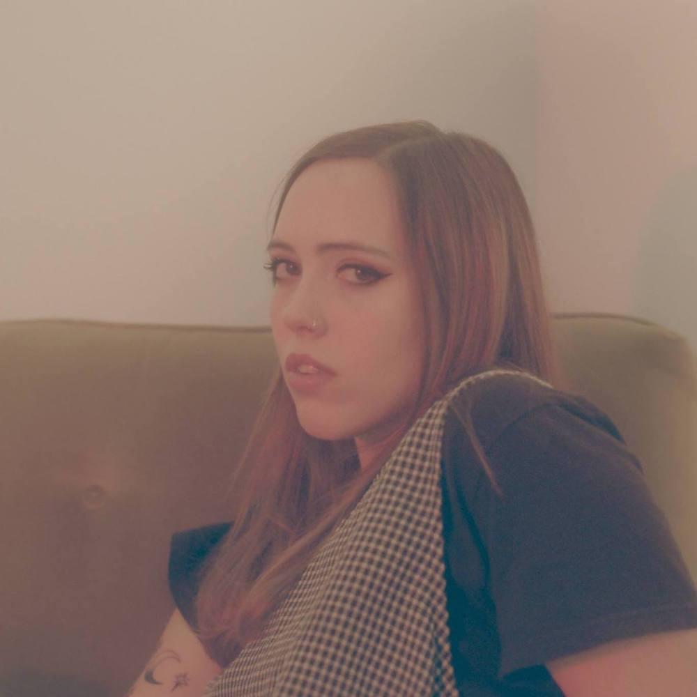 "Nieuwe single Soccer Mommy – ""yellow is the color of her eyes"""