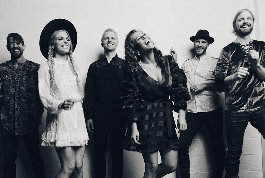"Nieuwe single Delta Rae ft. The McCrary Sisters – ""From One Woman to Another"""