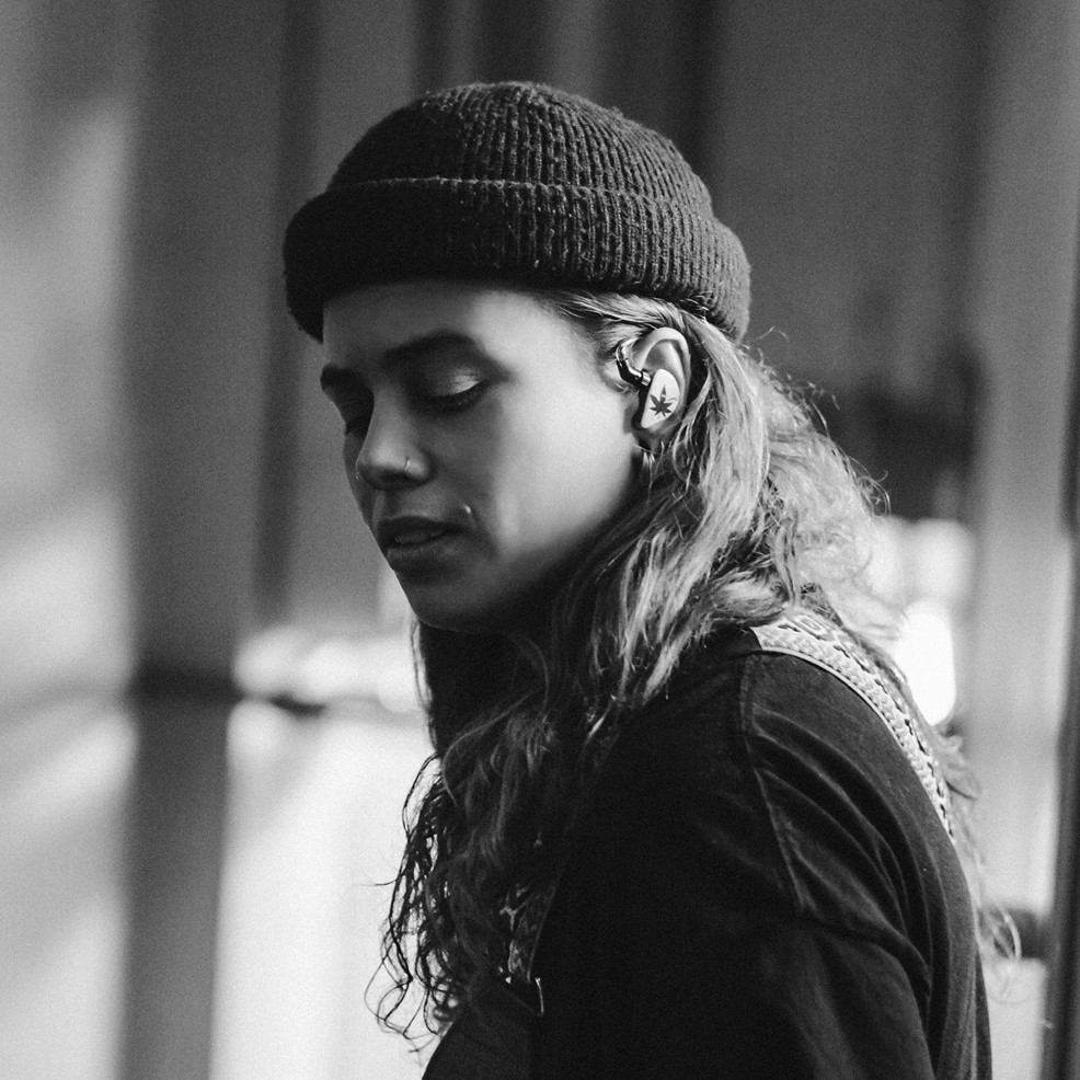 "Nieuwe single Tash Sultana – ""Can't Buy Happiness"""