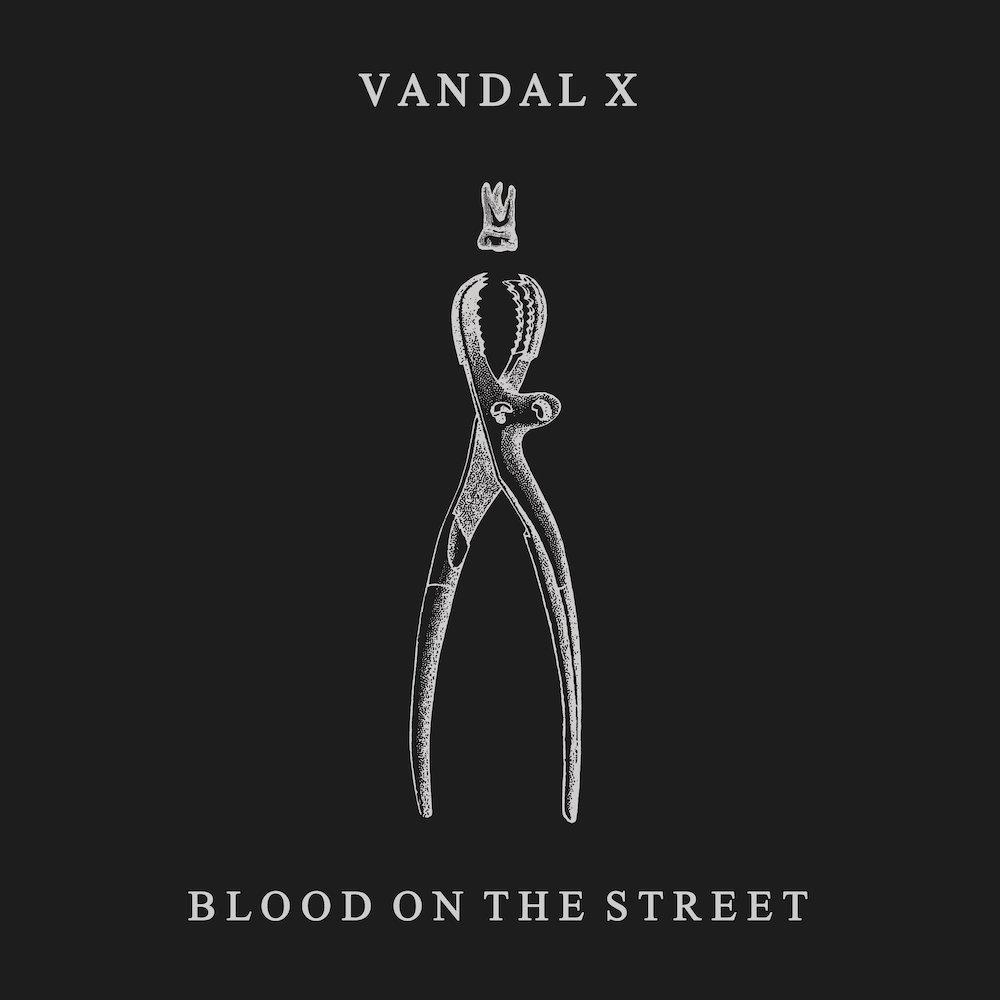 Vandal X – Blood On The Street (★★★★): Pijnlijke clusterbom die blijft nazinderen