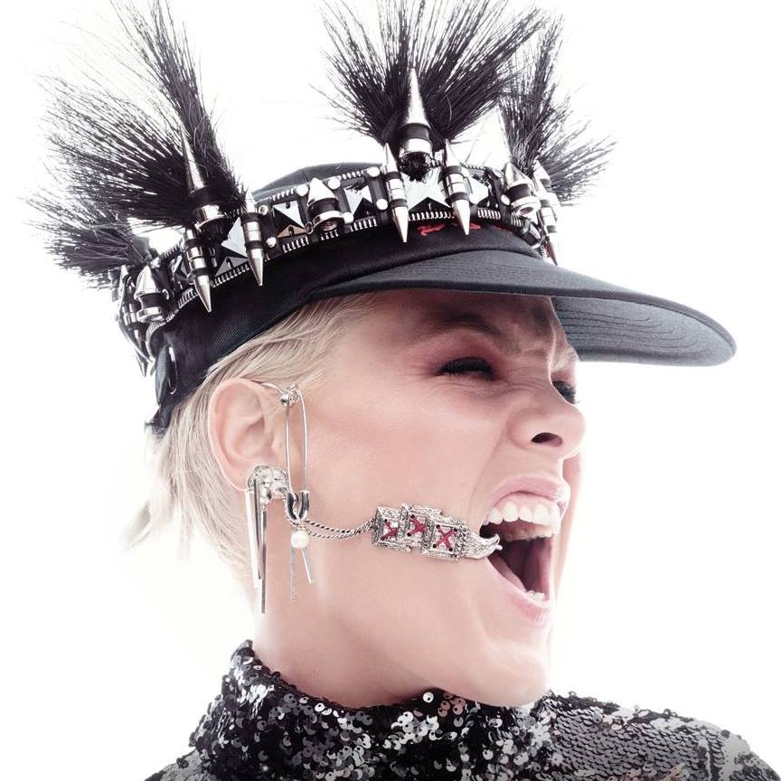 "Nieuwe single P!nk – ""Walk Me Home"""