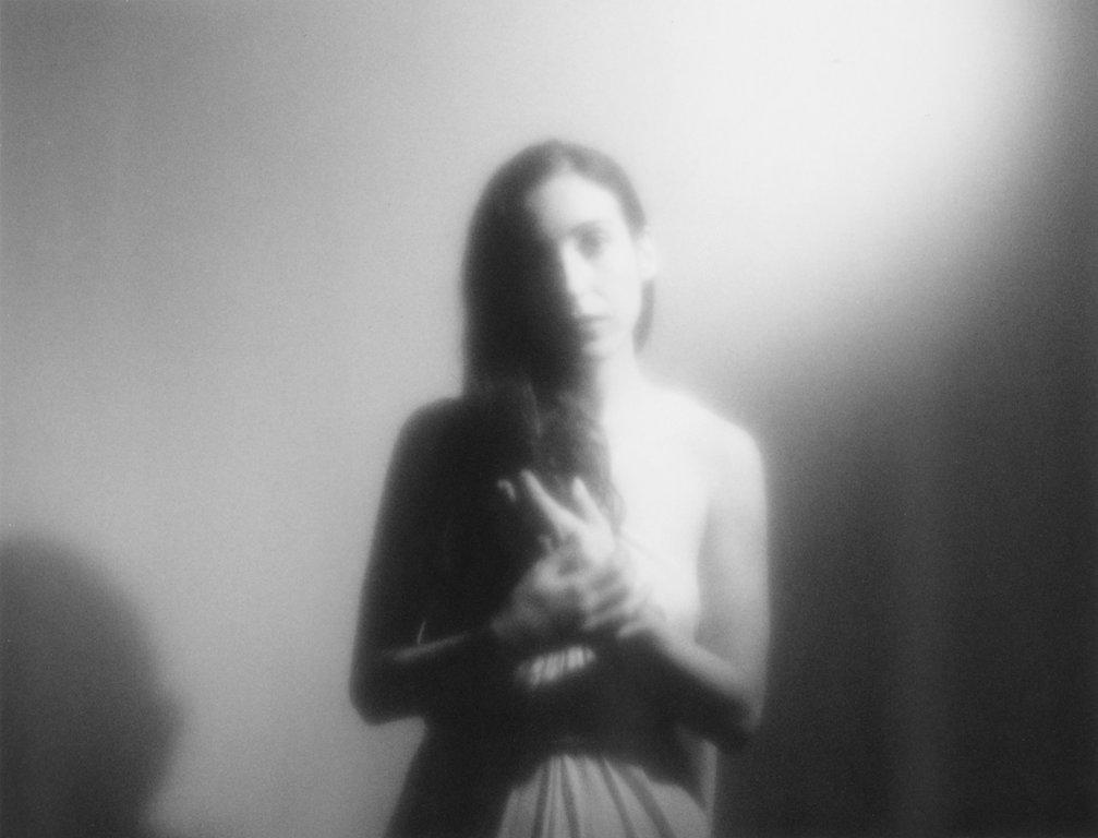 Marissa Nadler @ De Roma: Dromerig getokkel met charmes