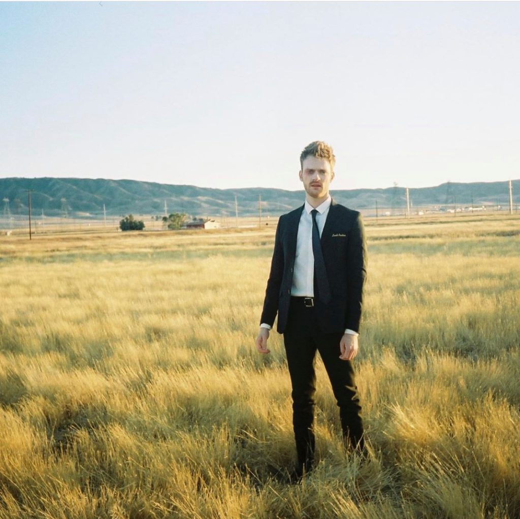 "Nieuwe single FINNEAS – ""I Don't Miss You At All"""