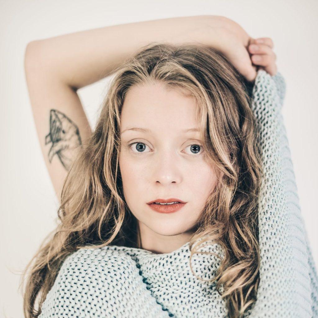 "Nieuwe single Linde – ""Bookshelves"""