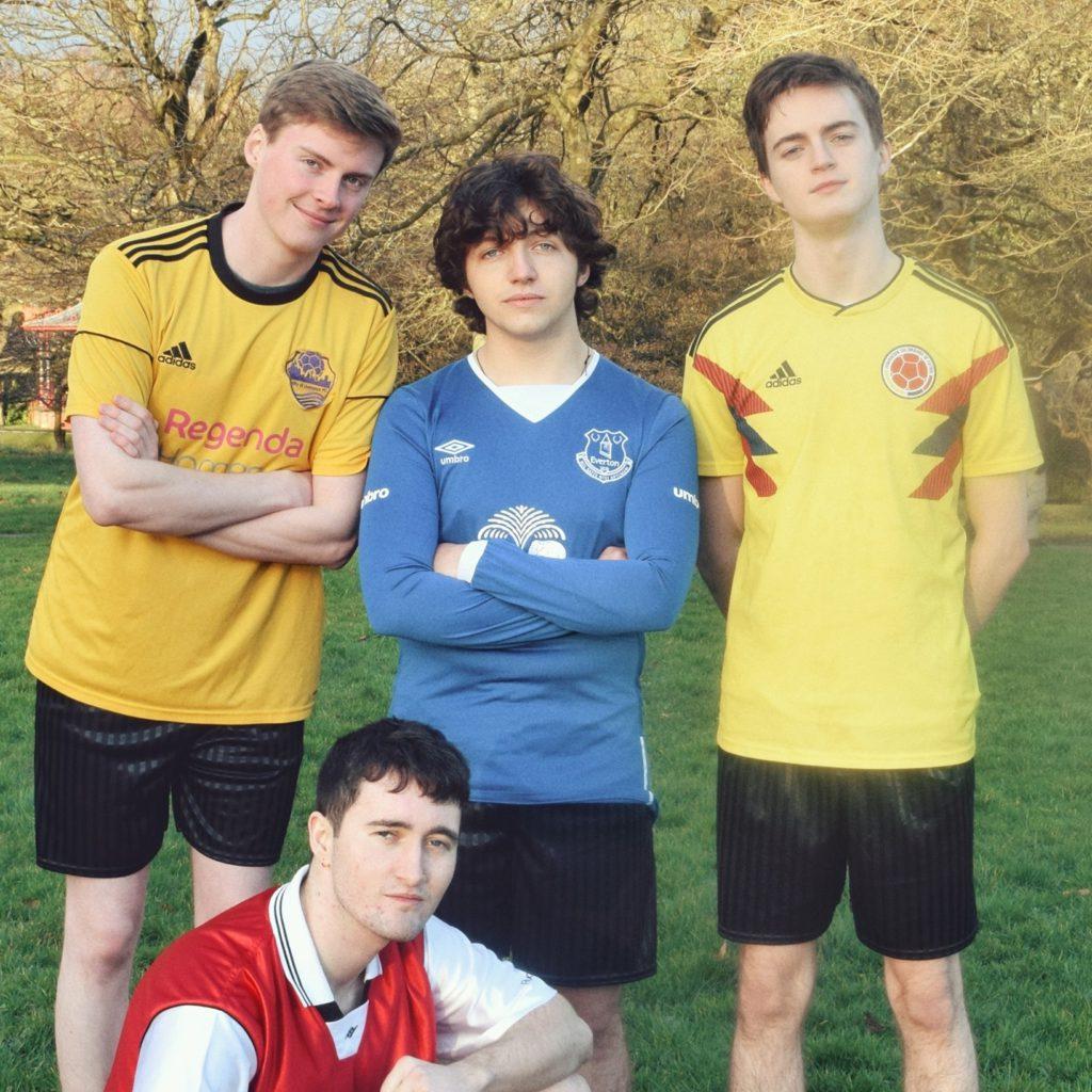"Nieuwe single Courting – ""Football"""