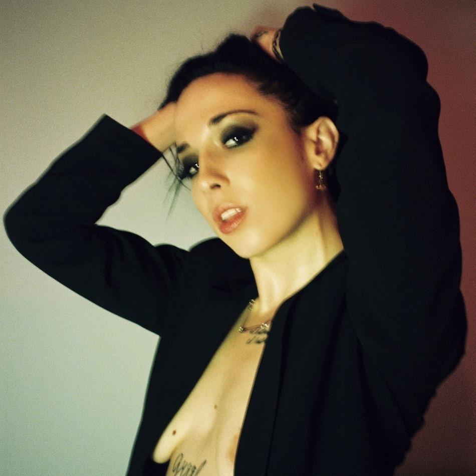 """Nieuwe single Sizzy Rocket – """"Smells Like Sex"""""""