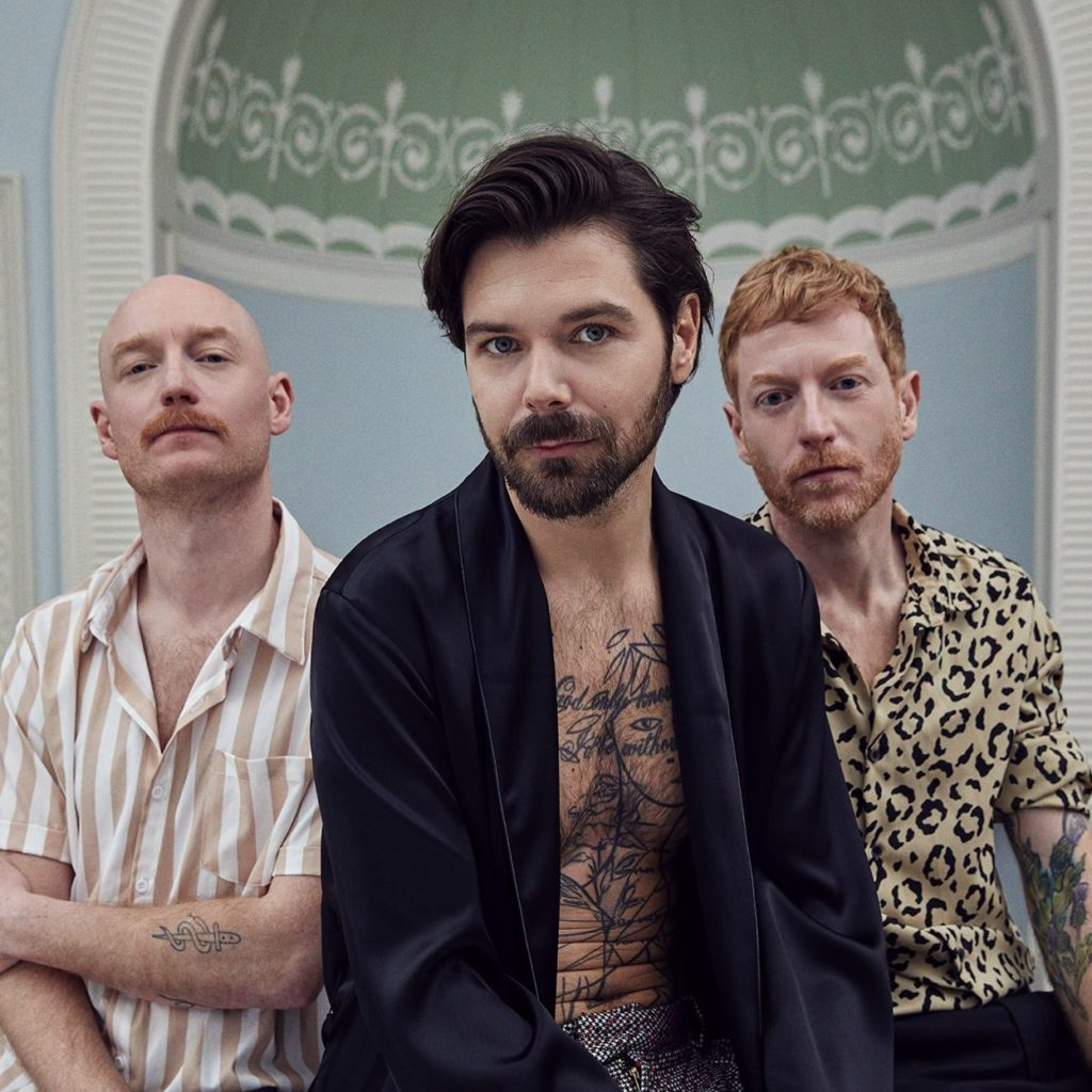 "Nieuwe single Biffy Clyro – ""Tiny Indoor Fireworks"""