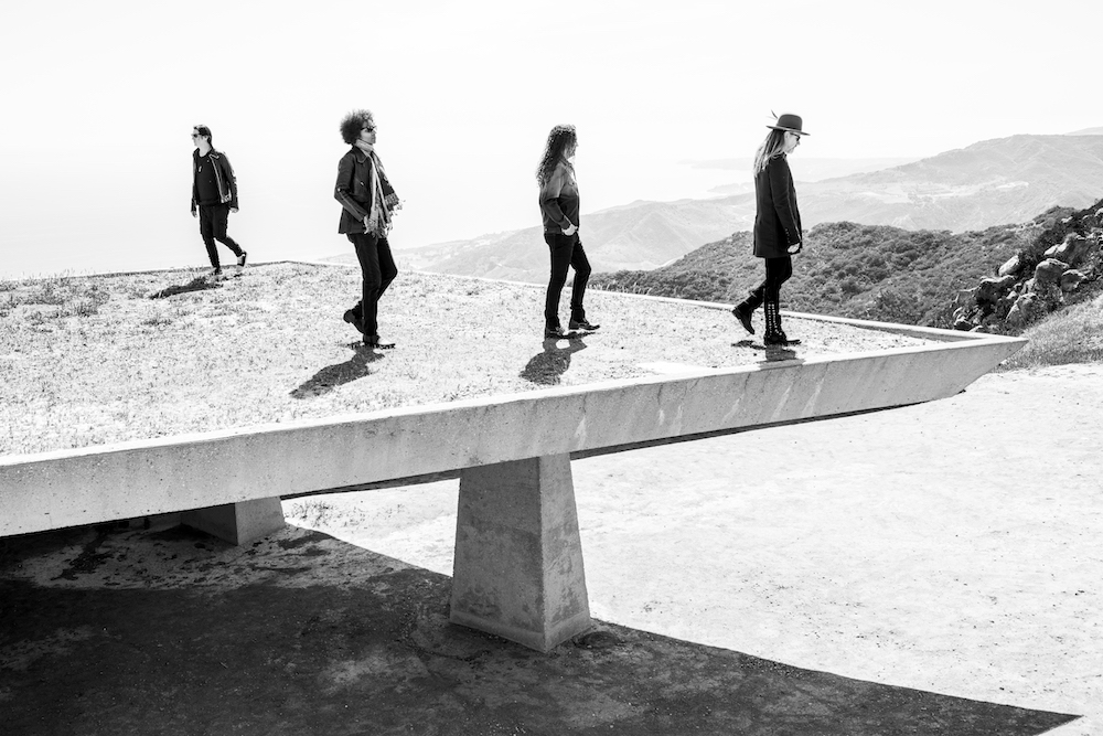 "Nieuwe single Alice In Chains – ""So Far Under"""