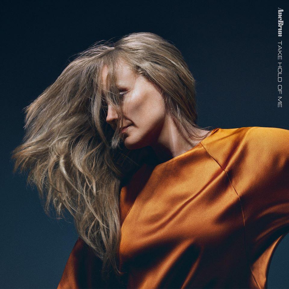 """Nieuwe single Ane Brun – """"Take Hold of Me"""""""