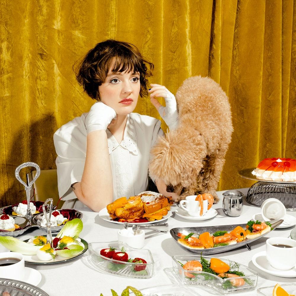 Madeline Kenney – Sucker's Lunch (★★★★): Trage en meeslepende safari