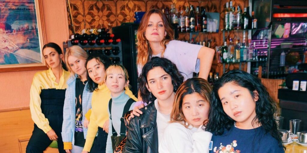 "Nieuwe single Hinds & CHAI – ""United Girls Rock 'n' Roll Club"""