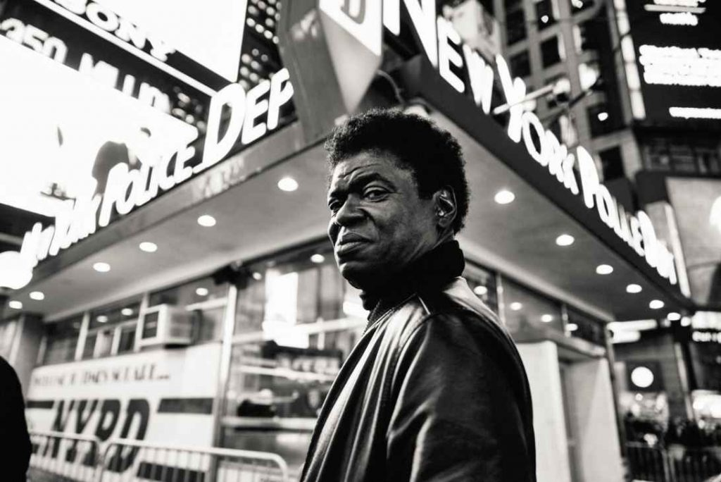 "Nieuwe single Charles Bradley – ""Can't Fight the Feeling"""