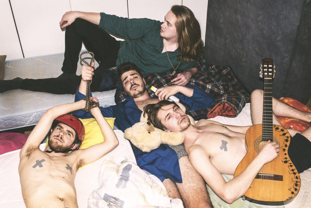 "Première: Nieuwe single Rusty Spoon – ""Tosa"""