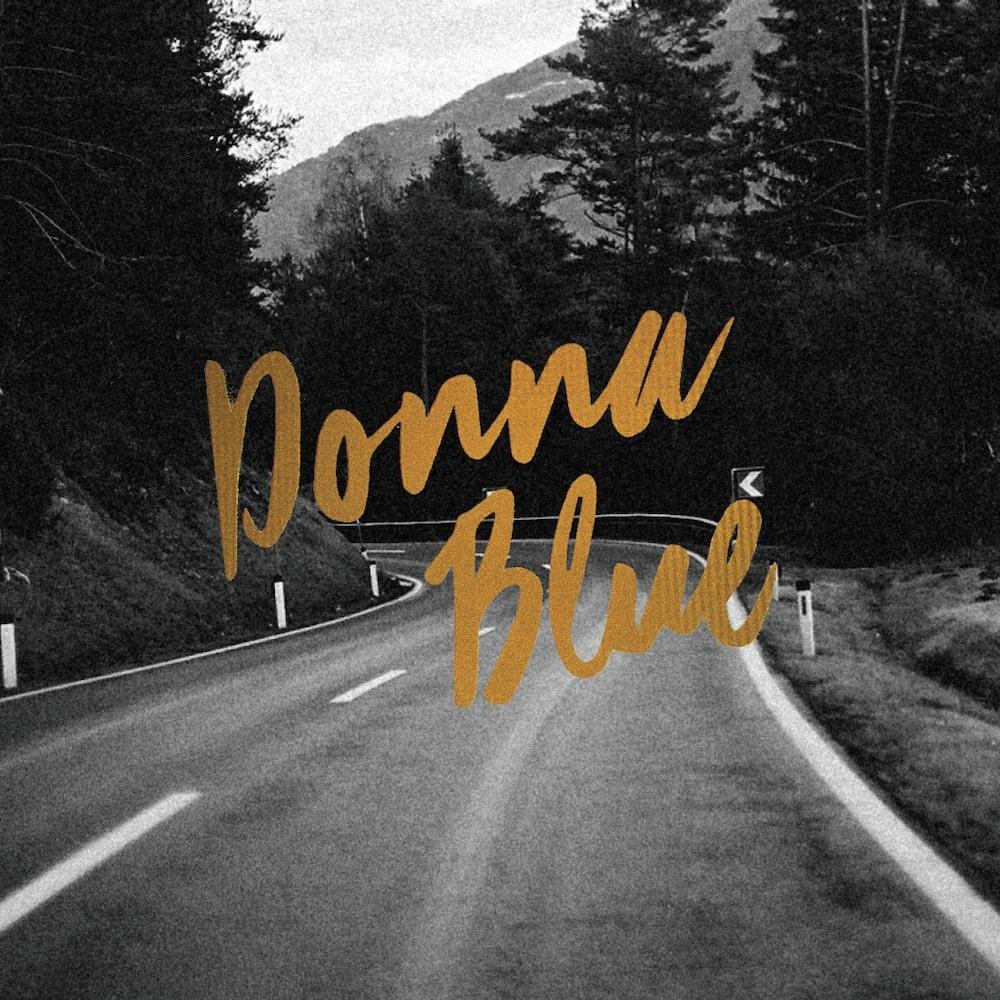 Donna Blue – Donna Blue (★★★½): Verleidelijke, retro indiepop uit de Lage Landen
