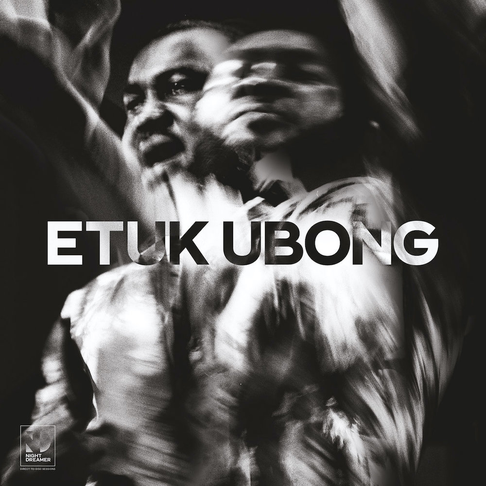 Etuk Ubong – Africa Today (★★★★): Héérlijke earth music