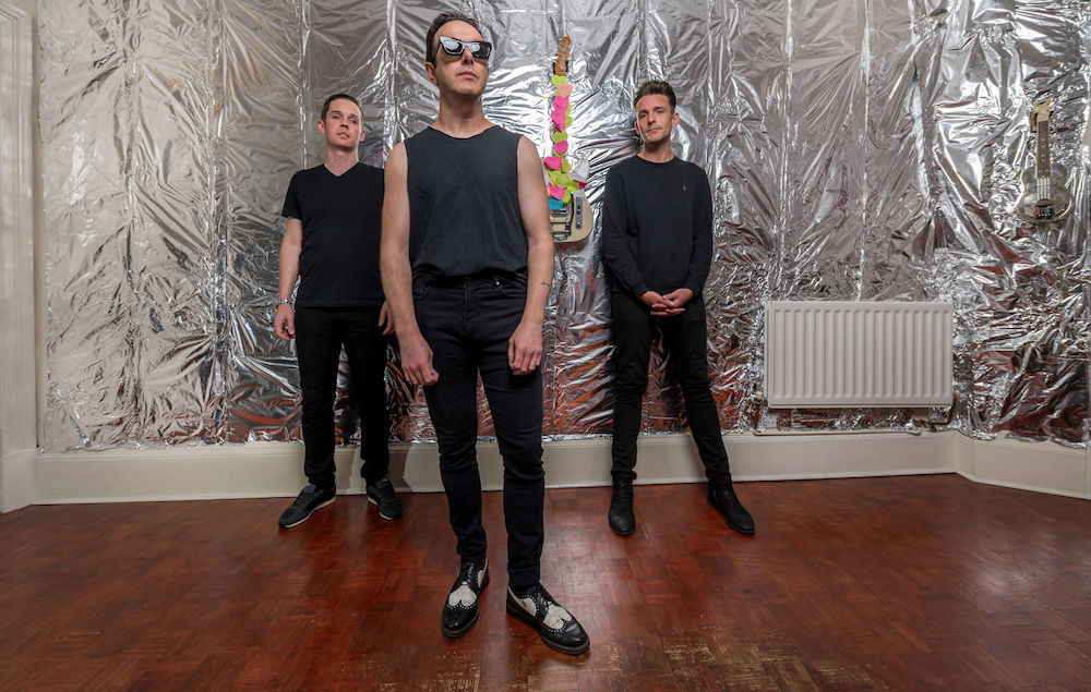 "Nieuwe single Glasvegas – ""Keep Me A Space"""
