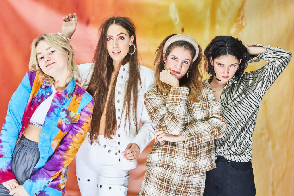 """Nieuwe single Hinds – """"Riding Solo"""""""