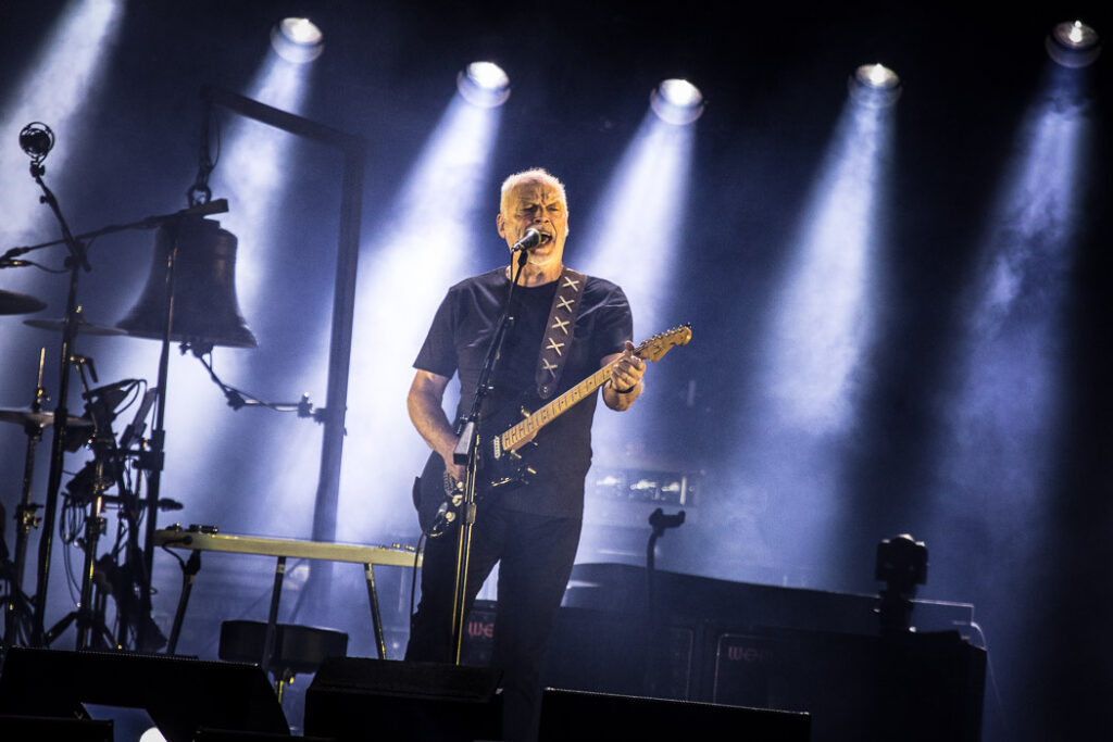 "Nieuwe single David Gilmour – ""Yes, I Have Ghosts"""