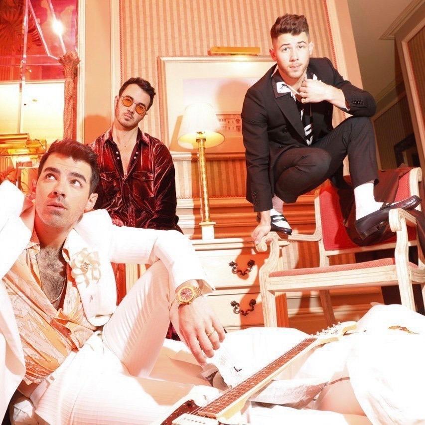 """Nieuwe single Jonas Brothers – """"What a Man Gotta Do"""""""