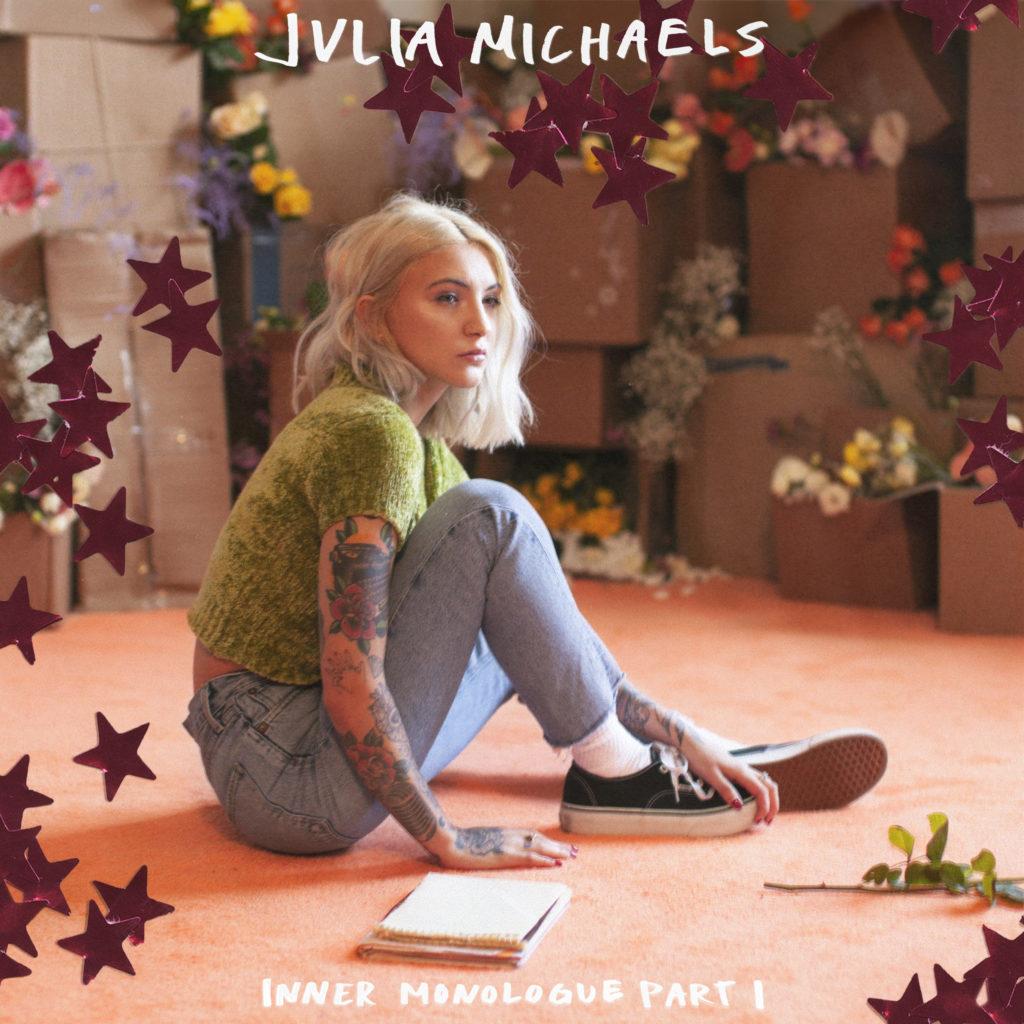 Julia Michaels – Inner Monologue Part 1 (★★★): Aanstekelijke popmuziek met karakter