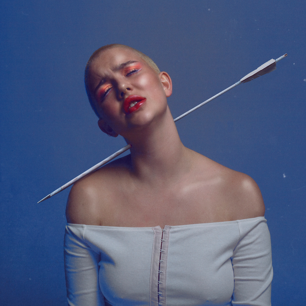 "Nieuwe single Lili Kendall – ""lonely empress"""