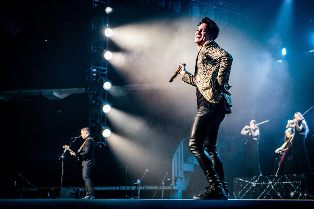 """Nieuwe single Panic! At The Disco – """"Into the Unknown"""""""