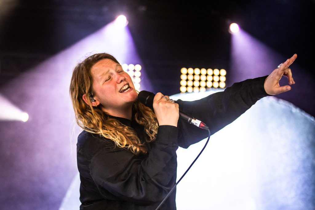 Kate Tempest @ Théâtre National: Zielszuivering door merg en been