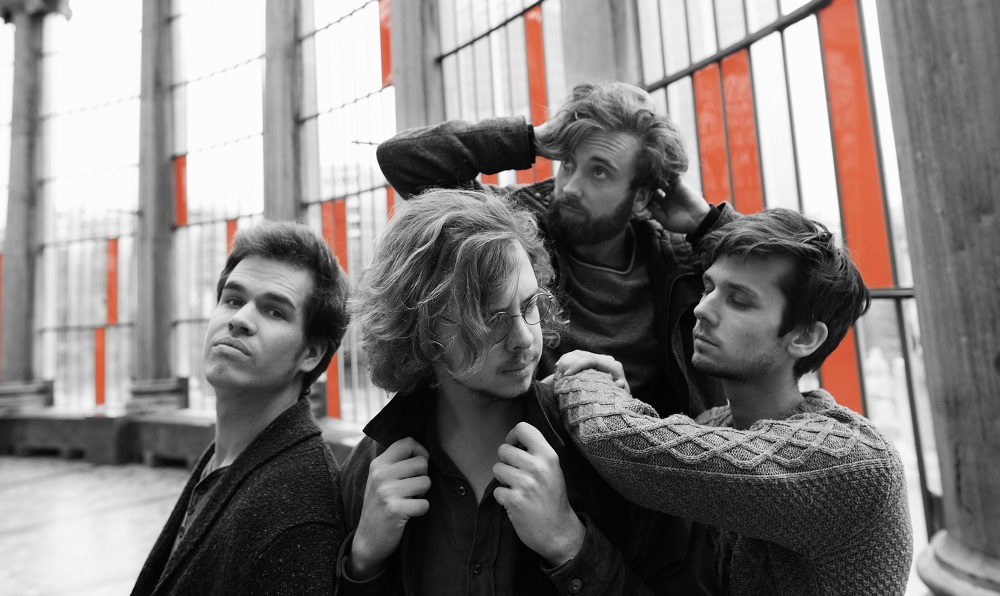 "Première: Nieuwe single Sun Gods – ""Into The Mud"""