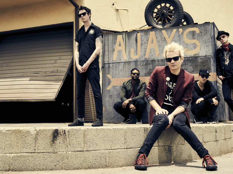 "Nieuwe single Sum 41 – ""A Death In The Family"""