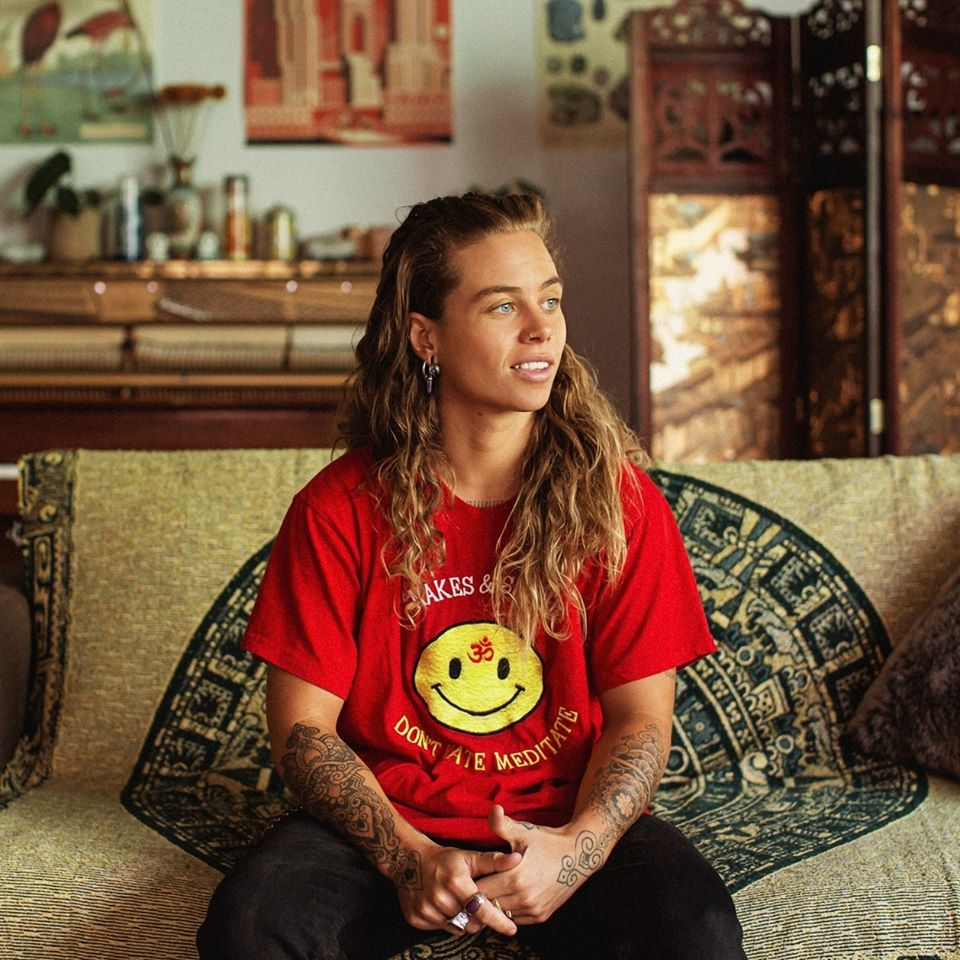 "Nieuwe single Tash Sultana – ""Willow Tree"" (feat. Jerome Farah)"