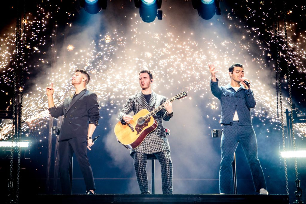 "Nieuwe single Jonas Brothers – ""X"" & ""Five More Minutes"""