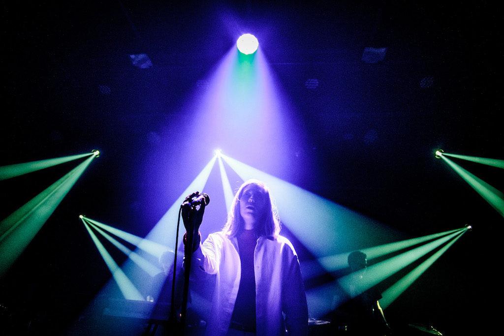 """Whispering Sons @ Muziekodroom: """"Een bij-de-keel-grijpende heropleving van een donkere periode"""""""