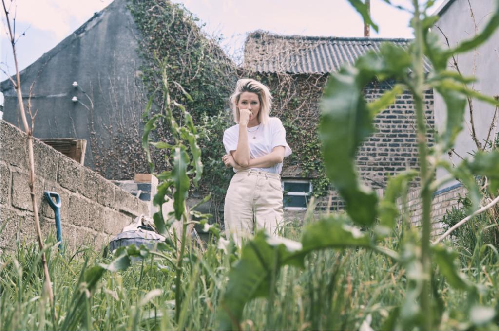 """Nieuwe single Ailbhe Reddy – """"Looking Happy"""""""