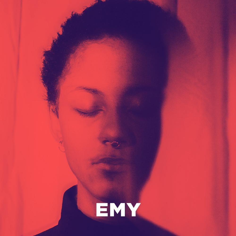 Interview EMY: 'Live zouden we EMY beschrijven als dansen en niet dansen'