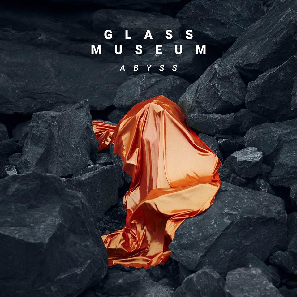 "Nieuwe single Glass Museum – ""Abyss"""