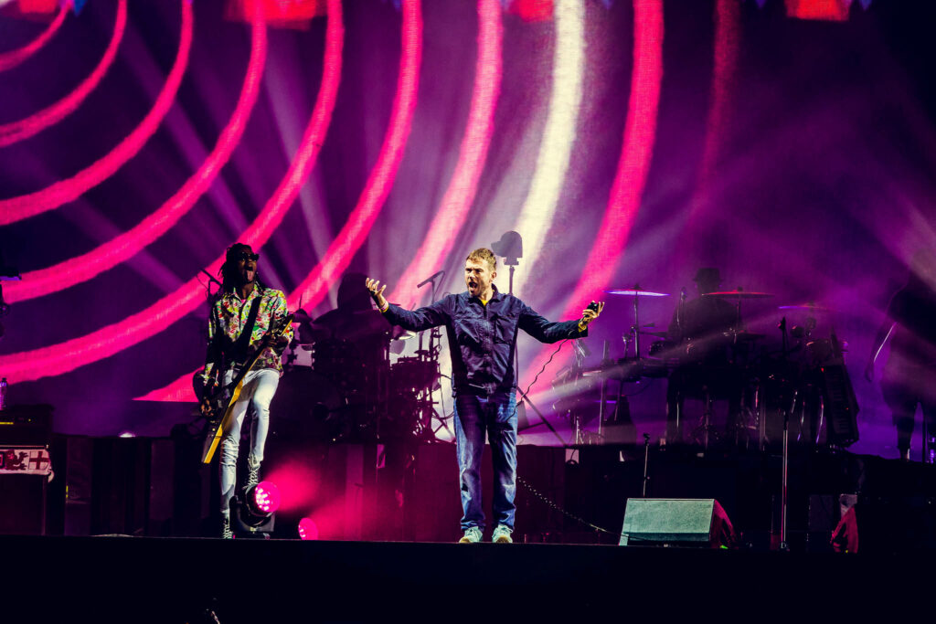 "Nieuwe single Gorillaz – ""The Pink Phantom"" (feat. Elton John & 6LACK)"