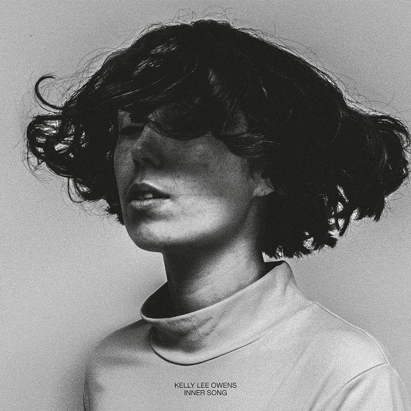Kelly Lee Owens – Inner Song (★★★★): Techno als canvas voor emotie
