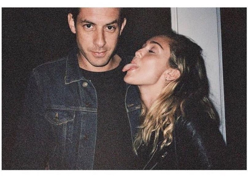 "Nieuwe single Mark Ronson – ""Nothing Breaks Like A Heart"" Ft Miley Cyrus"